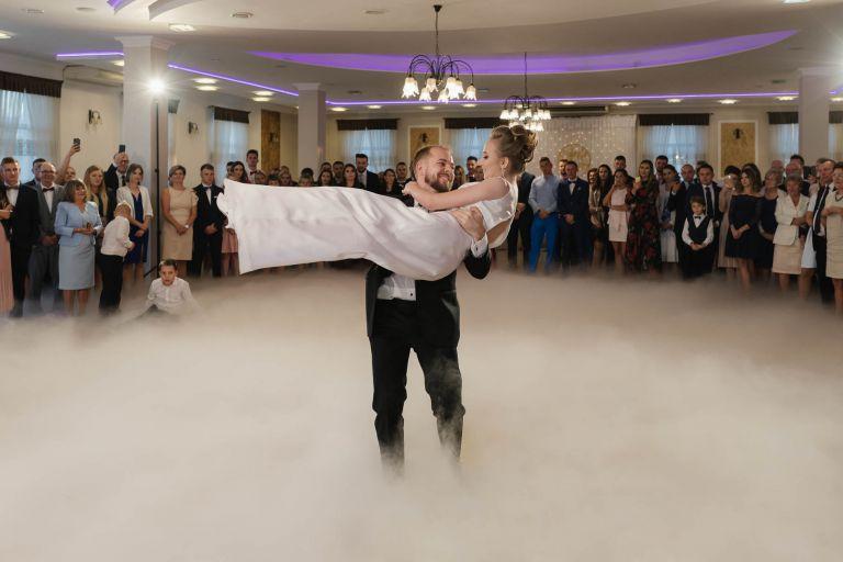 reportaż ślubny adam jaskot fotografia pierwszy taniec